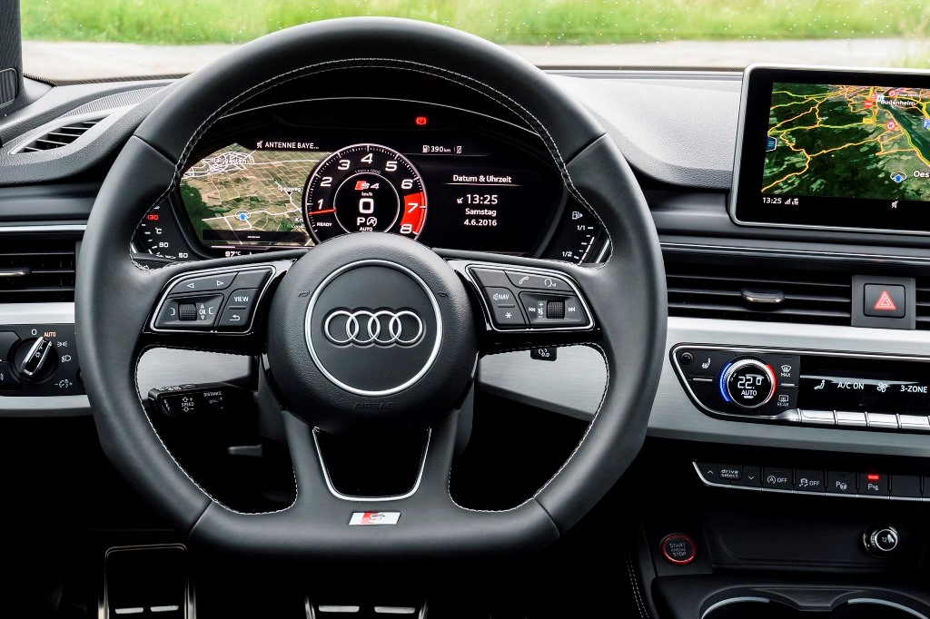 Audi S4 Avant B9: Lenkrad
