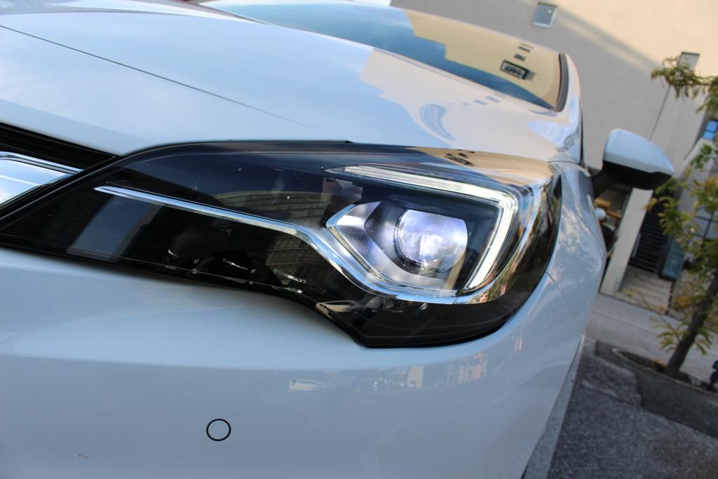 Scheinwerfer: Intelli Lux Matrix LED