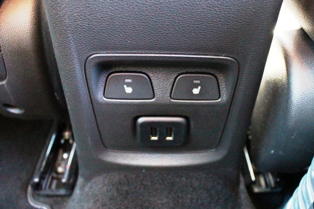 Sitzheizung hinten, USB-Anschlüsse