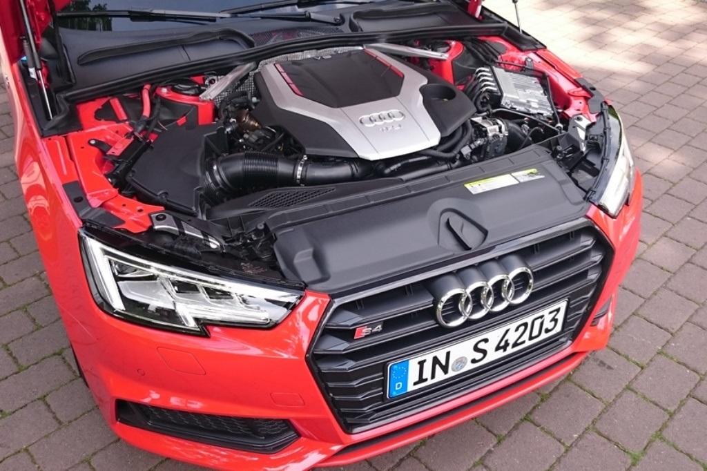 Audi S4: 3.0 TFSI