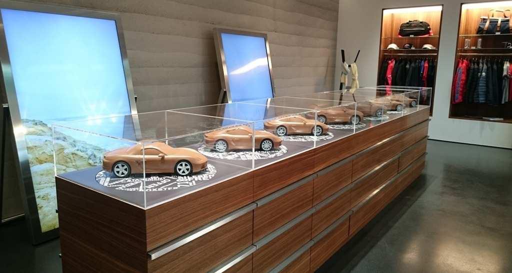 Porsche-Modellpalette als Clay-Modelle