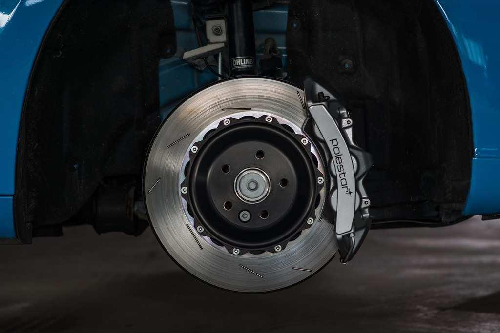 Öhlins-Fahrwerk und Sport-Bremsanlage