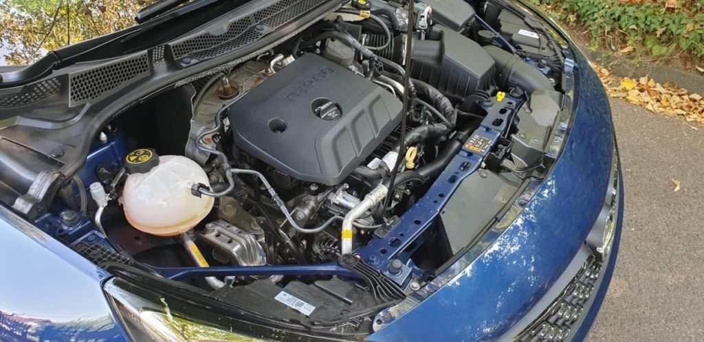1.4 Dreizylinder Benziner mit 145 PS