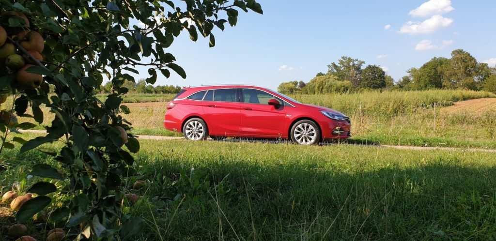 Opel Astra Sports Tourer Facelift