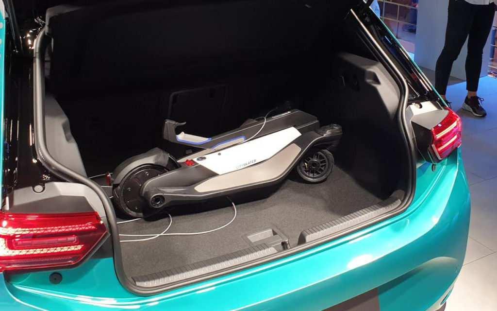 E-Scooter im Kofferraum