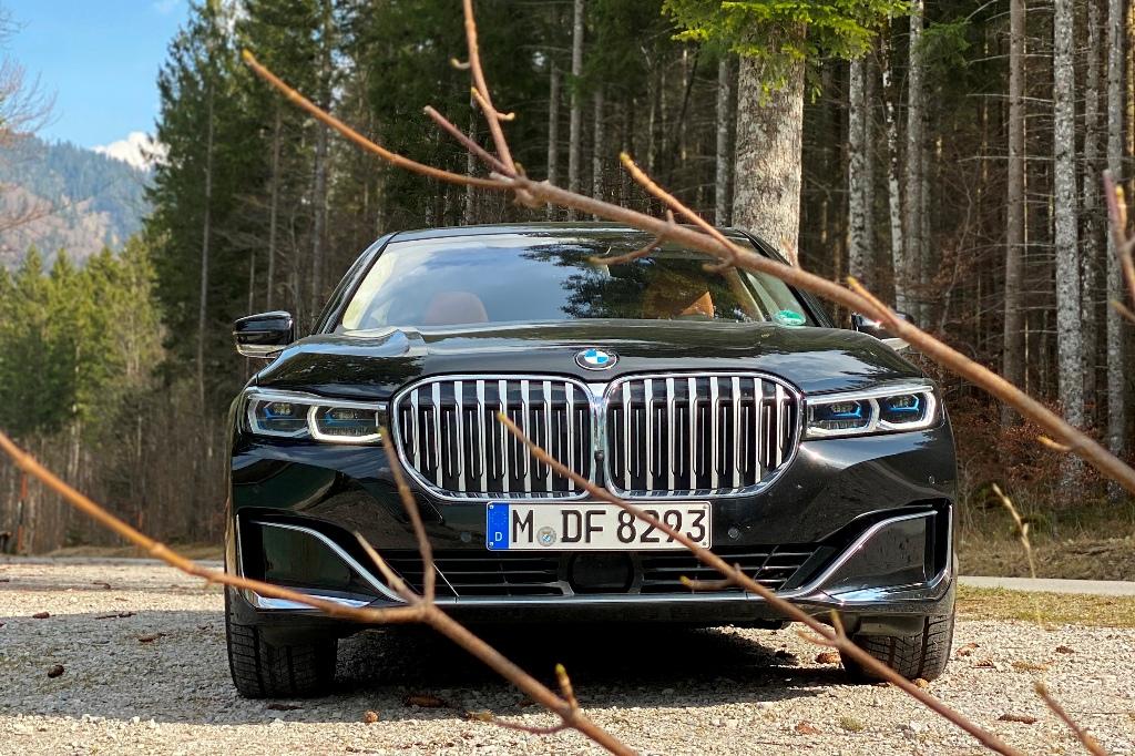 BMW 7er mit großen Nierengrill