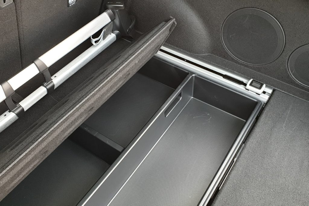 Kia ProCeed Kofferraum Staufächer