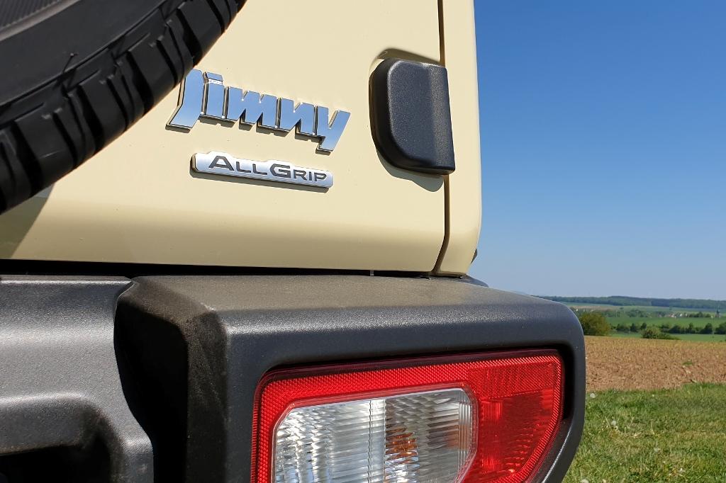 Suzuki Jimny 1.5 AllGrip Emblem Logo