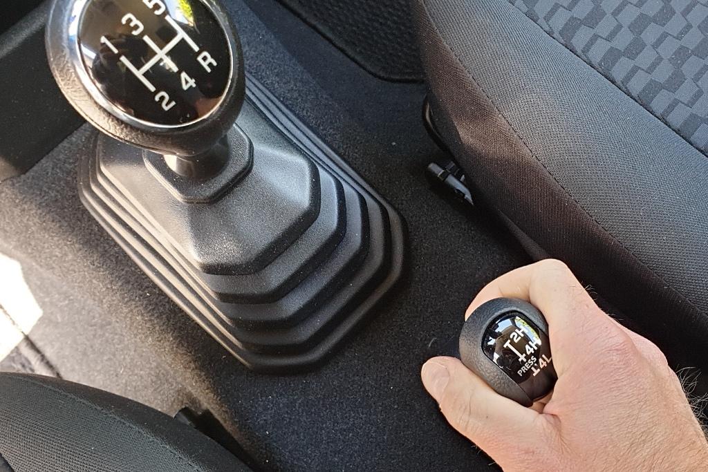 Jimny Schaltgetriebe und Geländeuntersetzung