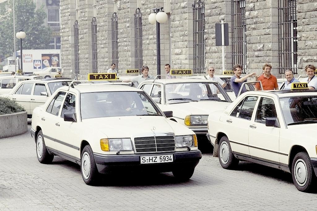 Mercedes W124 Taxi (1987)