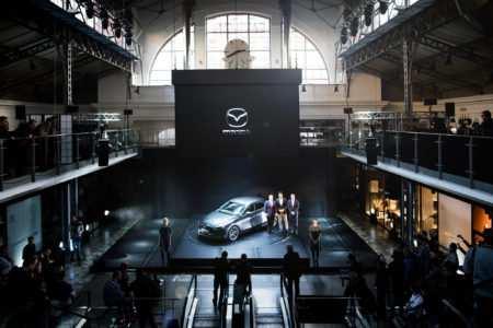 Europa-Premiere des neuen Mazda3 in Prag