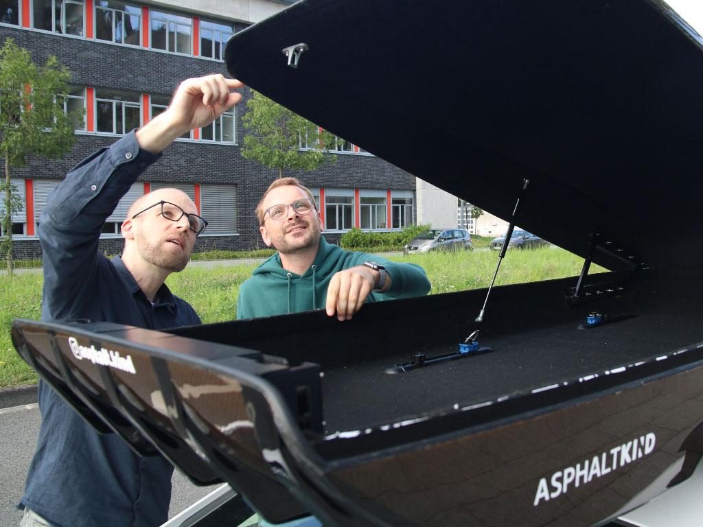 Dichtungen bei Dachbox: Daniel Przygoda und Nils Freyberg