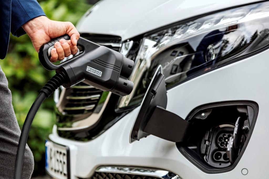 CCS-Anschluss Stecker beim Mercedes EQV (Schnellladen)