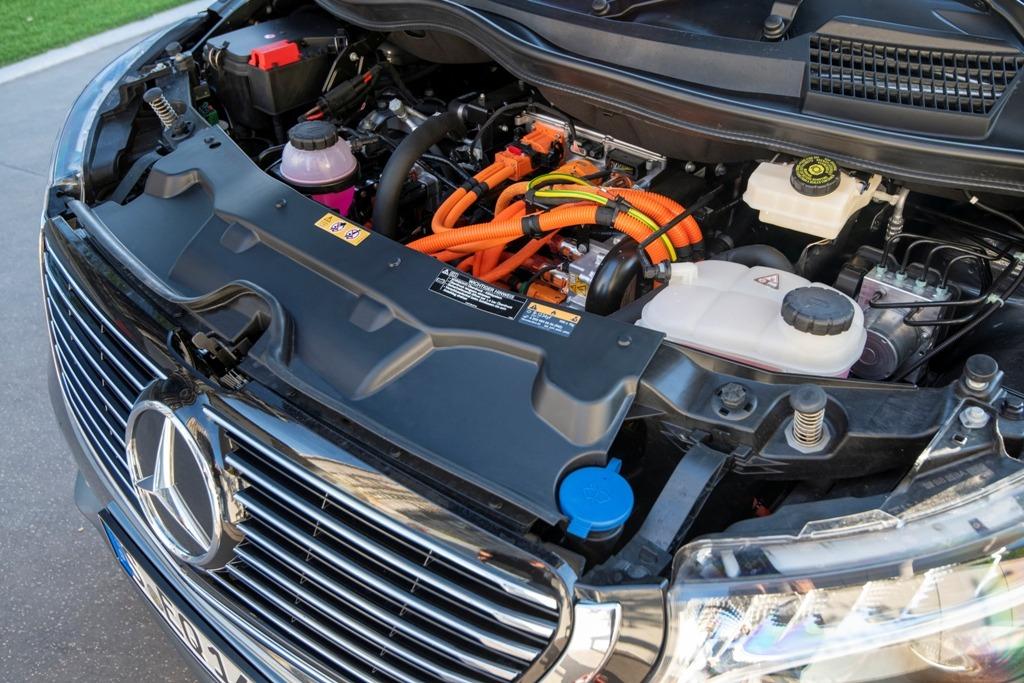 Elektroantrieb im EQV 300 soll bis zu 418 km Reichweite rein elektrisch schaffen