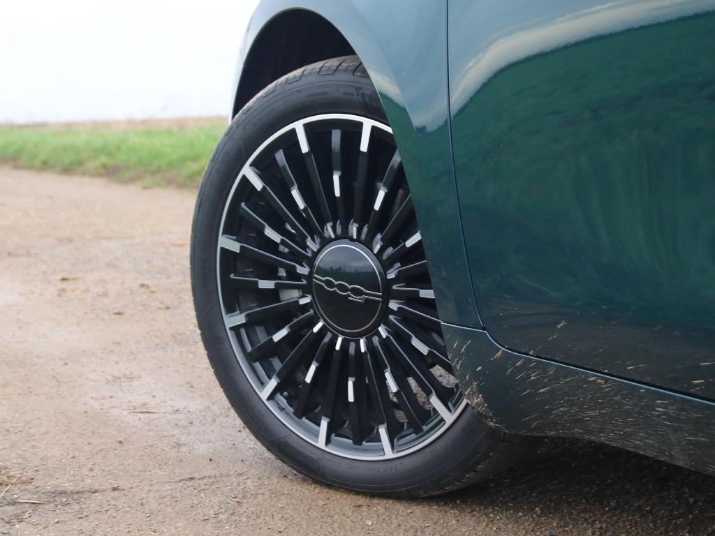 Fiat 500 17 Zoll Leichtmetallräder (404) Diamantfinish