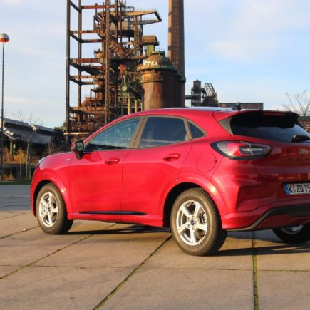 Ford Puma ST-Line X (2021) in Lucid-Rot Metallic mit 155 PS