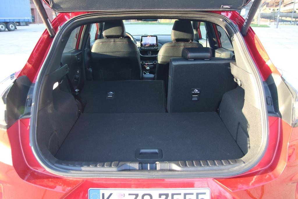 Kofferraum im Ford Puma mit umklappbarer Rücksitzbank