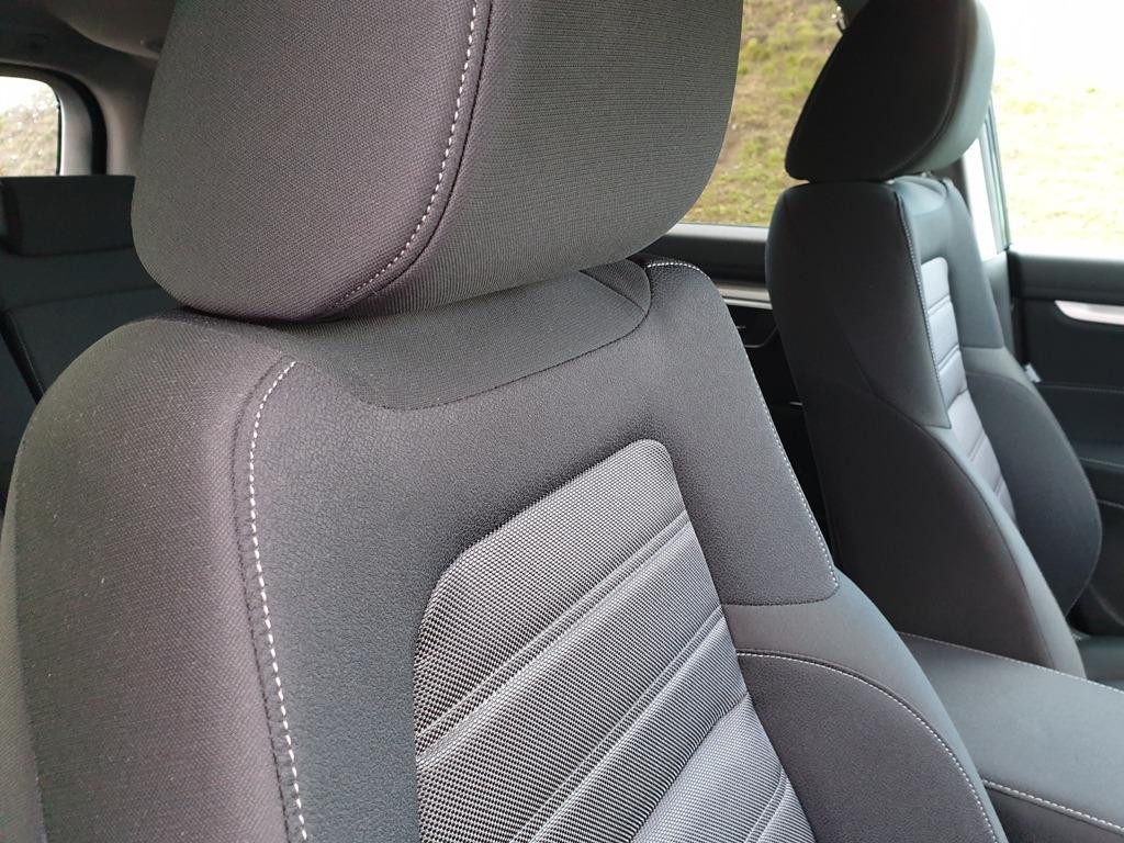 Stoff Schwarz für Ausstattungsvariante Elegance (Stoffsitze)