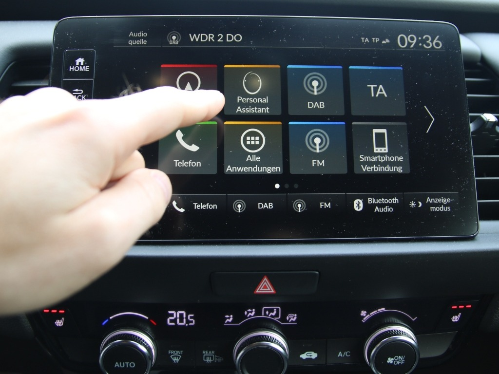 Honda Connect 9 Zoll Touchscreen mit Personal Assistant