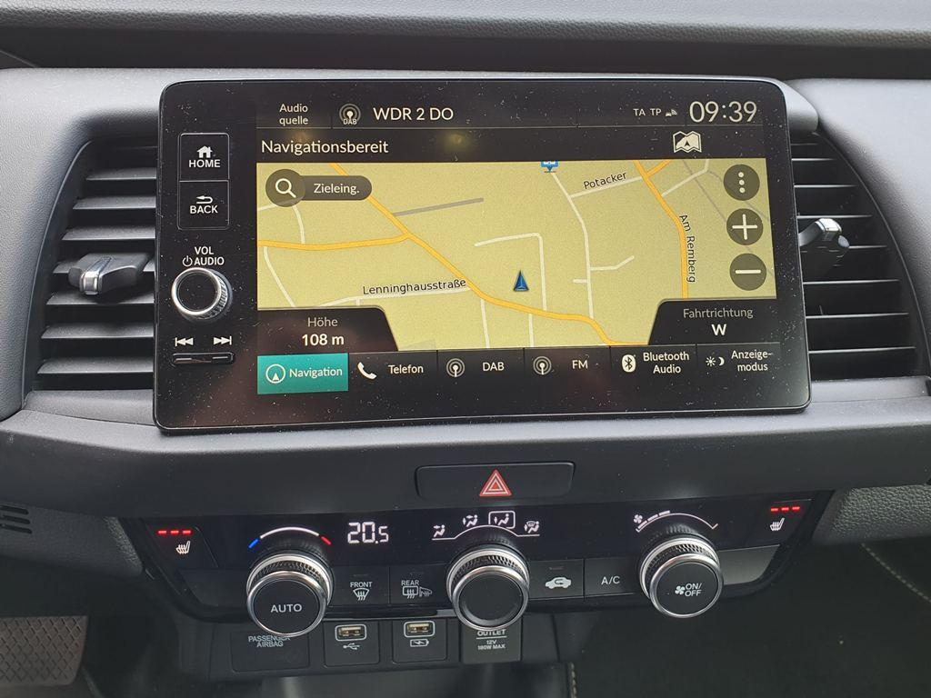 Navi (Honda Connect mit Garmin Navigation) im Honda Jazz mit 9 Zoll Touchscreen