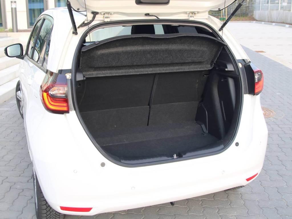 Kofferraum mit niedriger Ladekante