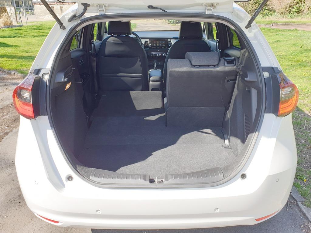 Kofferraum mit umlegbarer Rücksitzbank