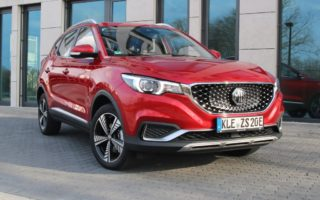MG ZS EV Luxury in Diamond Red metallic - Kaufberatung