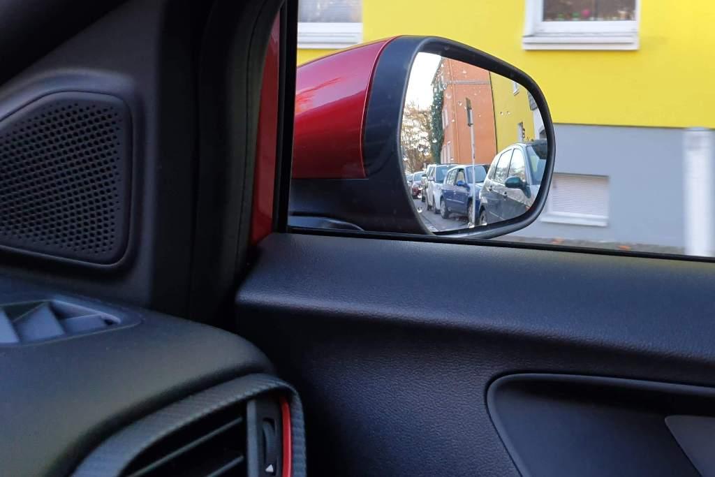 Außenspiegel: eingeschränkter Sichtbereich durch nicht ausreichenden Verstellbereich