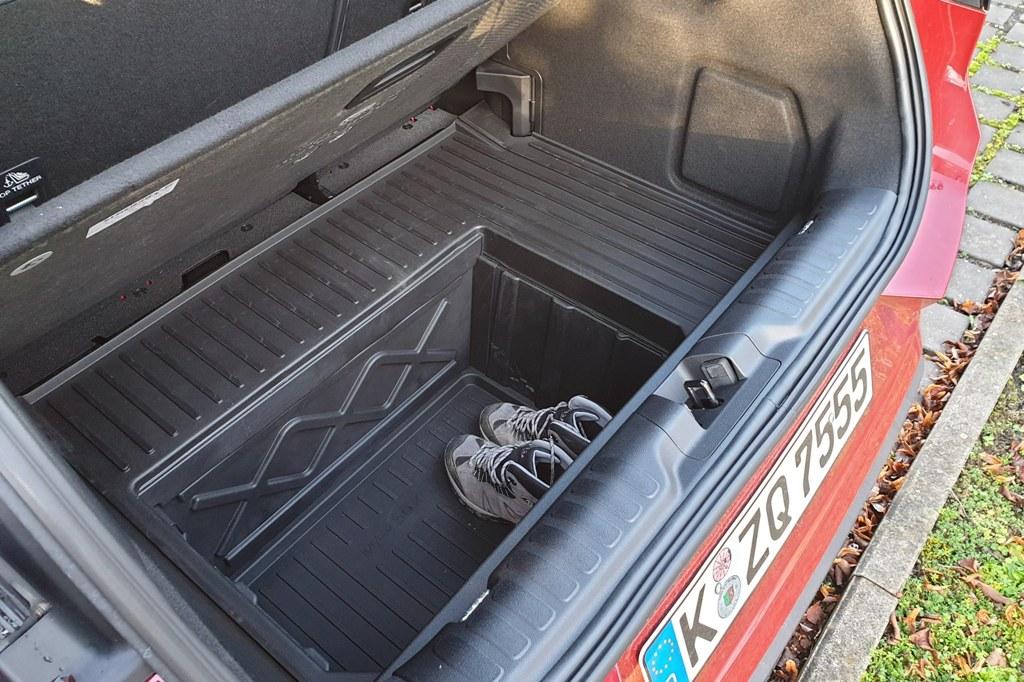 Ford MegaBox im Kofferraum