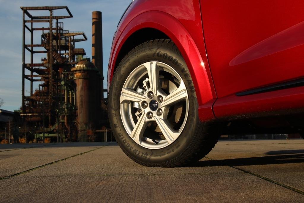 Winterreifen original Ford 16 Zoll (Alurad) für den Ford Puma GoodYear Ultra Grip 8