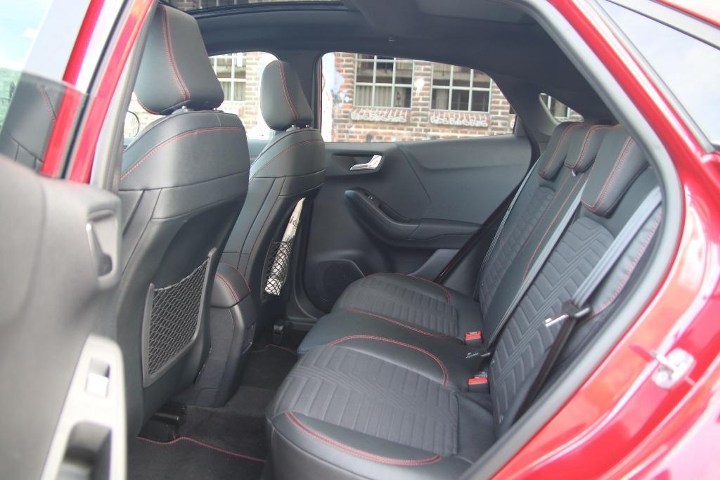 Rücksitzbank im Ford Puma mit Teilledersitzen (ST-Line X)