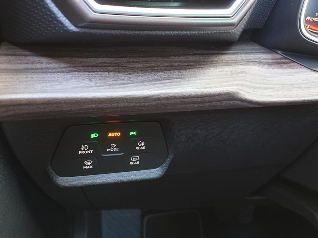 Neuer Leon: Touch-Lichtschalter mit Lichtautomatik (ähnlich wie im neuen Golf)