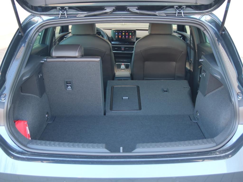 Kofferraum und geteilt umlegbare Rücksitzbank