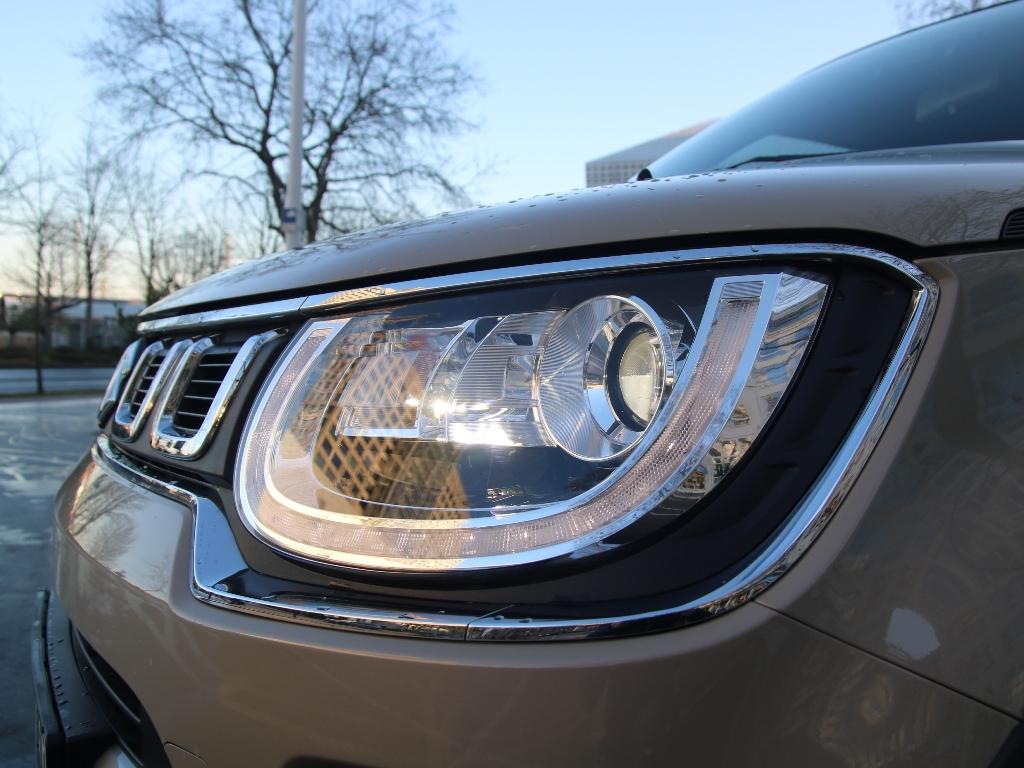 LED-Scheinwerfer und Tagfahrlicht