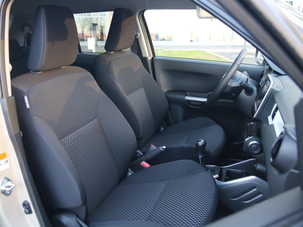 Innenraum Comfort+, Sitze vorne, Polster