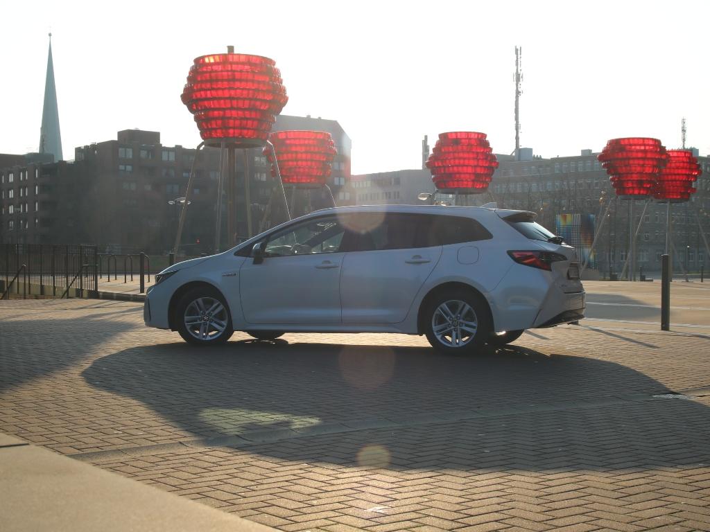 Kompaktlasse Kombi mit Hybrid (HEV), Suzuki Swace