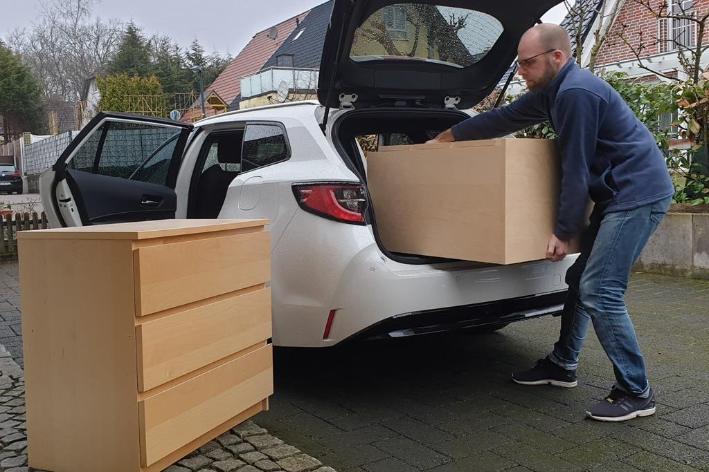Kofferraum im Suzuki Swace Kombi (Praktikabilität), Ikea Malm Kommode