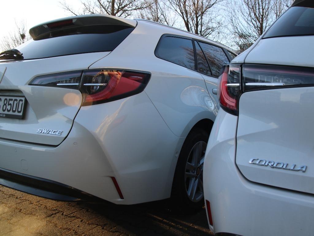 Suzuki Swace und Toyota Corolla (baugleich)