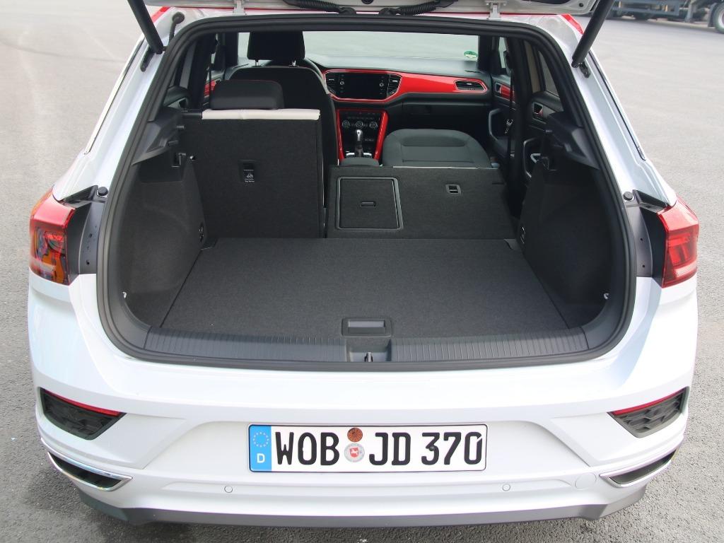 Kofferraum mit umlegbarem Beifahrersitz