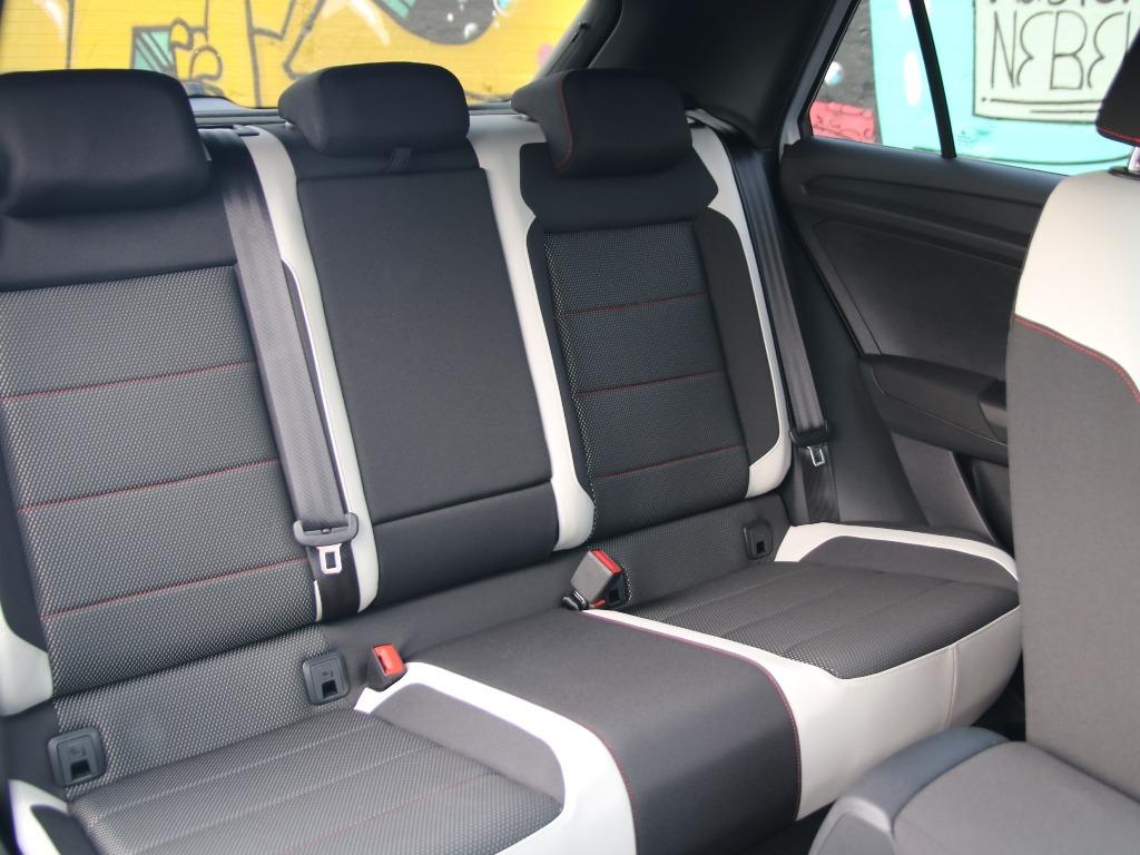 Rücksitzbank im T-Roc Sport mit Stoffsitzen