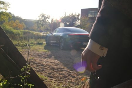 Porsche Taycan 4S, Manschettenknöpfe