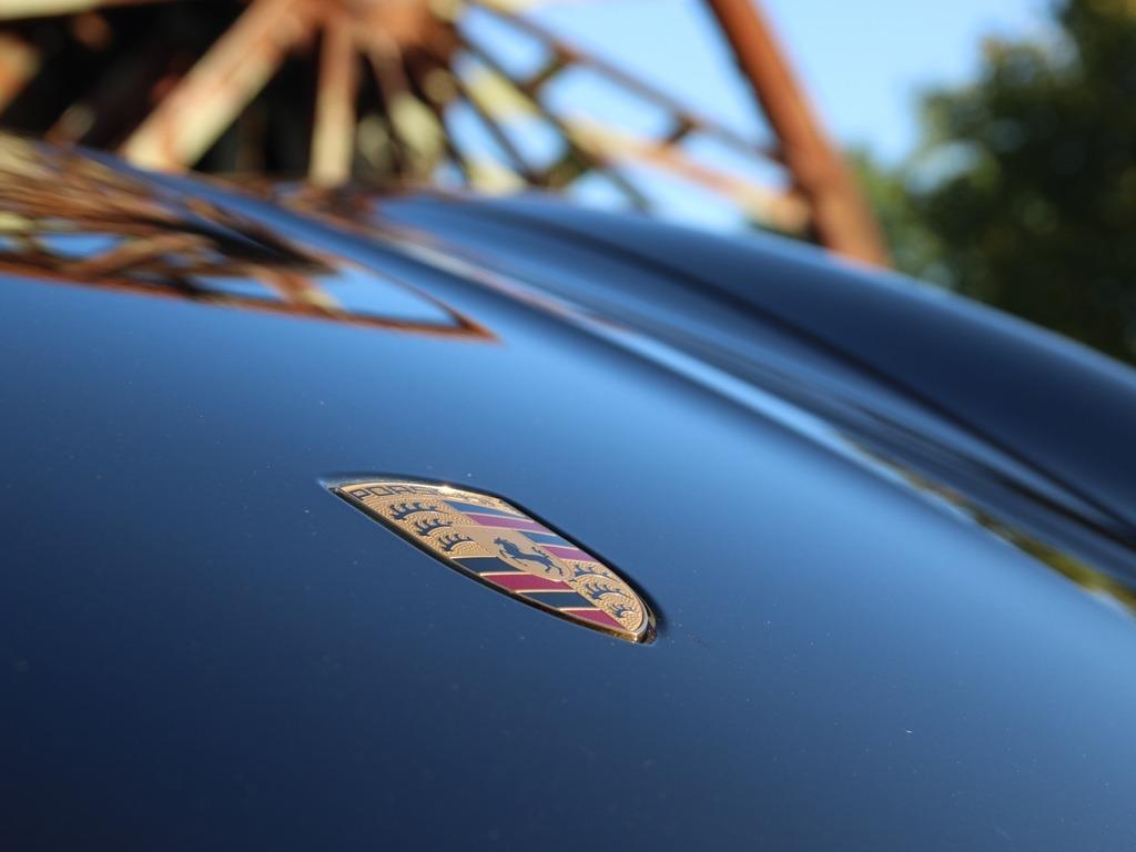 Porsche Wappen, Fronthaube