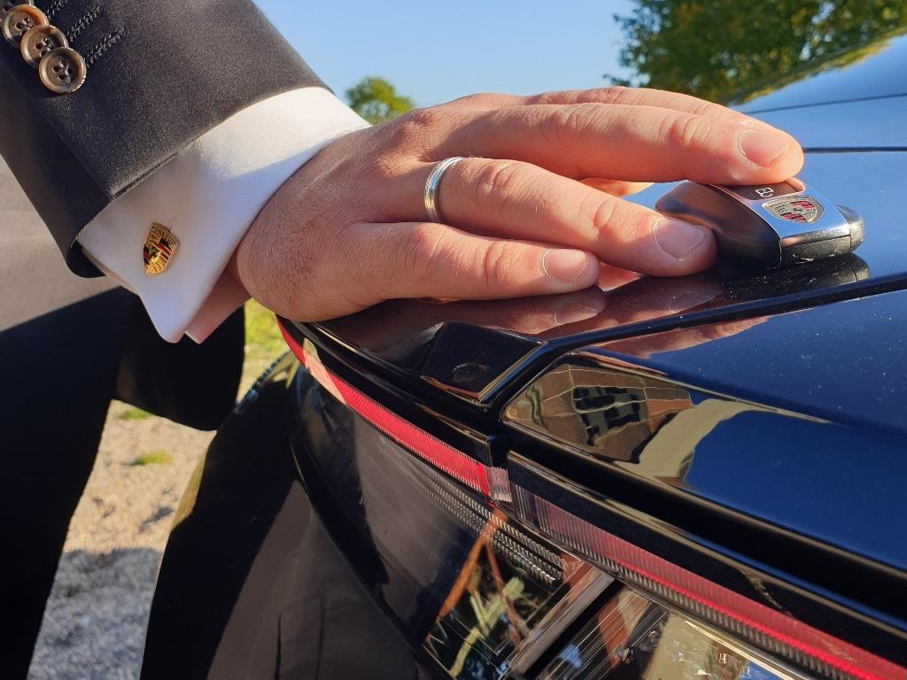 Porsche Taycan, Schlüssel, Manschettenknöpfe