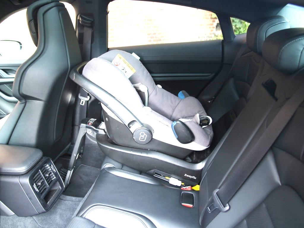 Babyschale ISOFIX, Rücksitzbank, Kindersitz