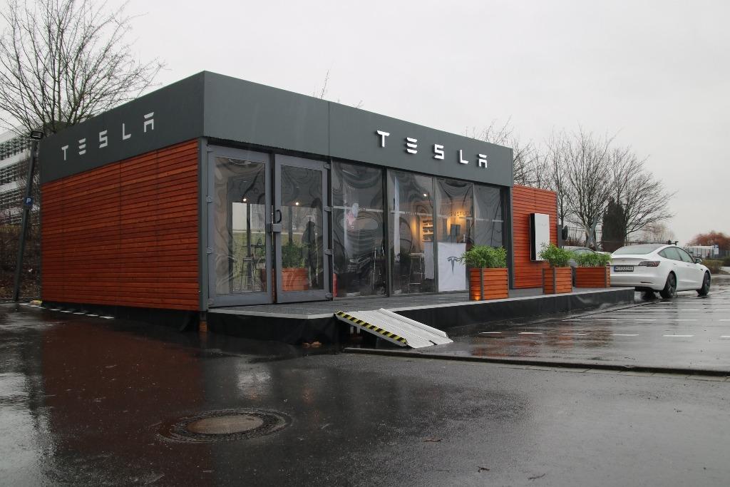 Tiny House als Pop-up-Store am Flughafen Dortmund (2021)