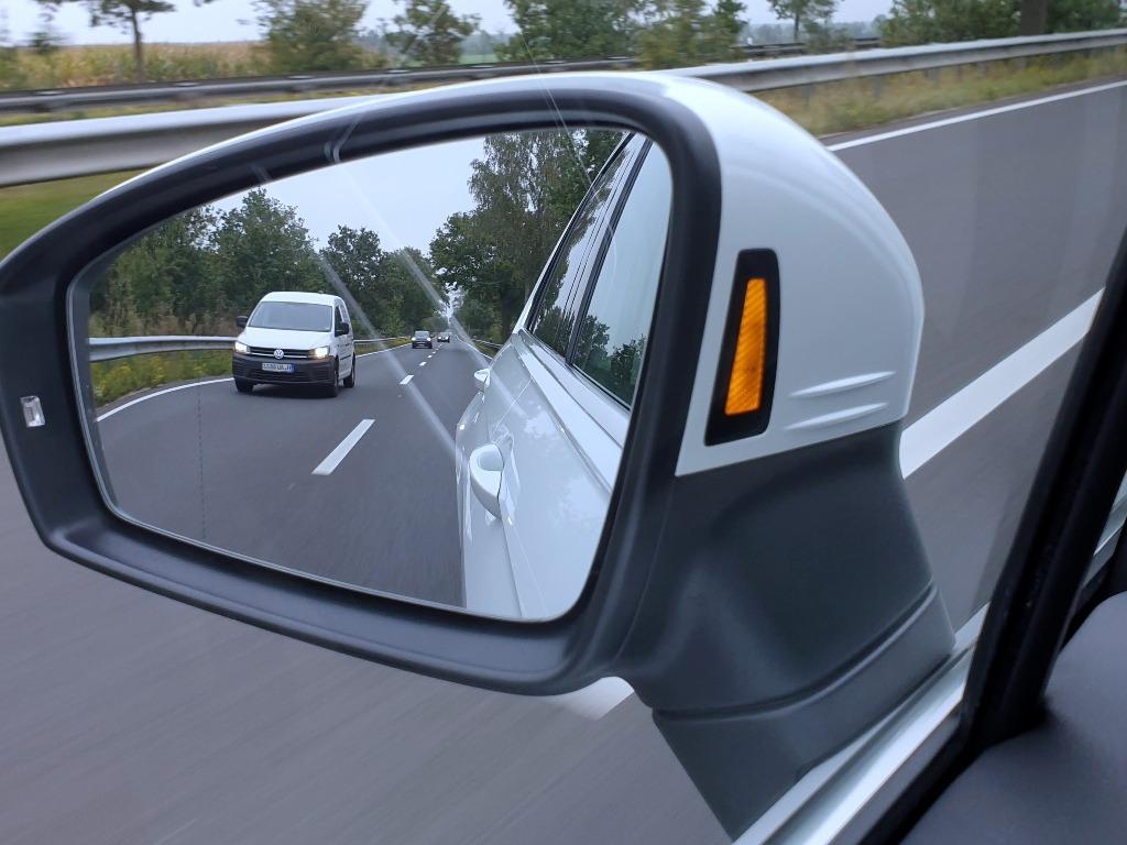 Toter Winkel, Warn-LED im Seitenspiegel