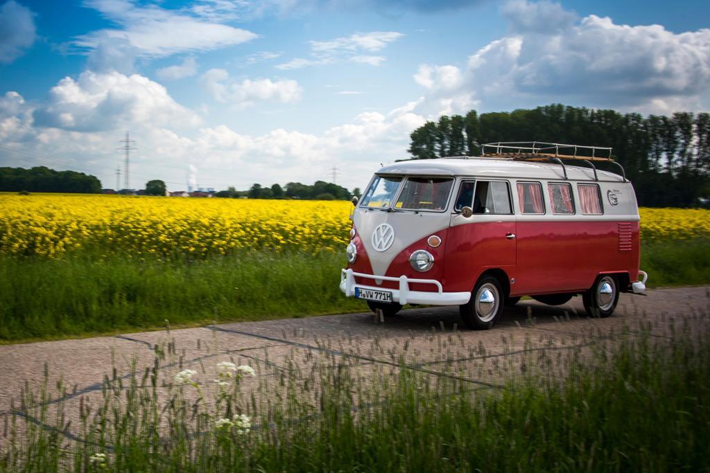 Henrik the Red: T1 Bulli zum mieten von VW Nutzfahrzeuge Oldtimer, Hannover