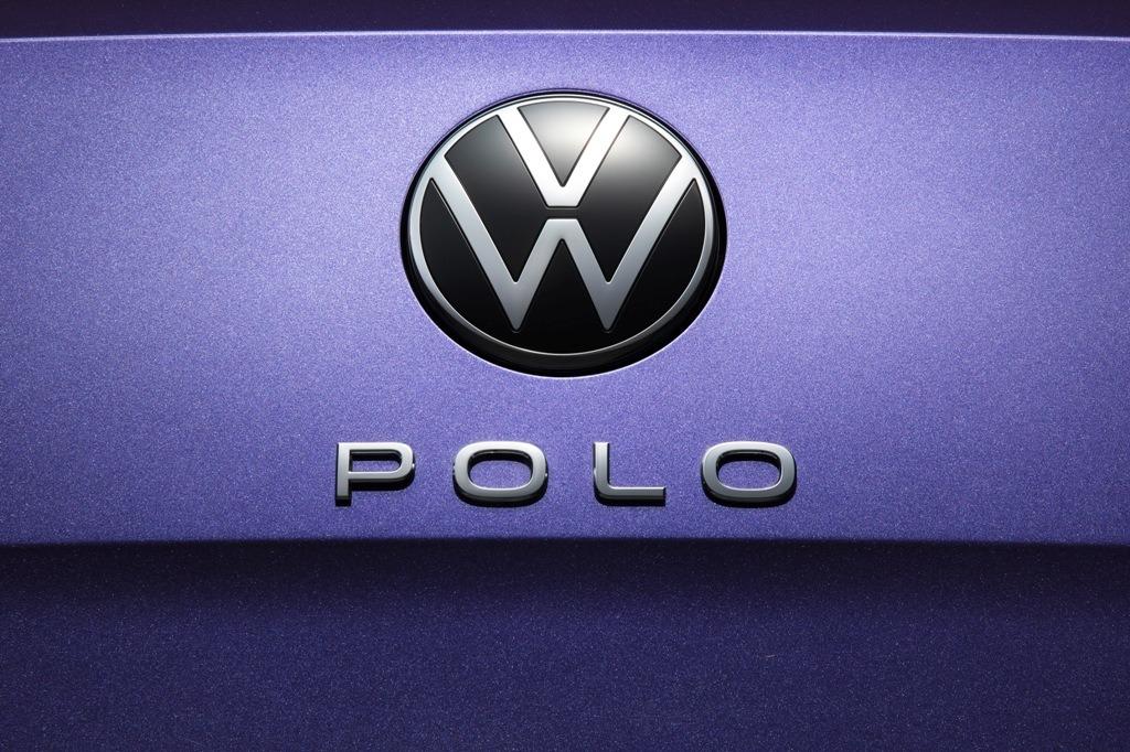 VW Polo: Schriftzug und neues Markenlogo beim Faclift-Modell 2022