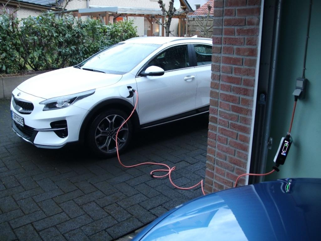 Plug-in Hybrid Netzteil (230 V) laden in der heimischen Garage