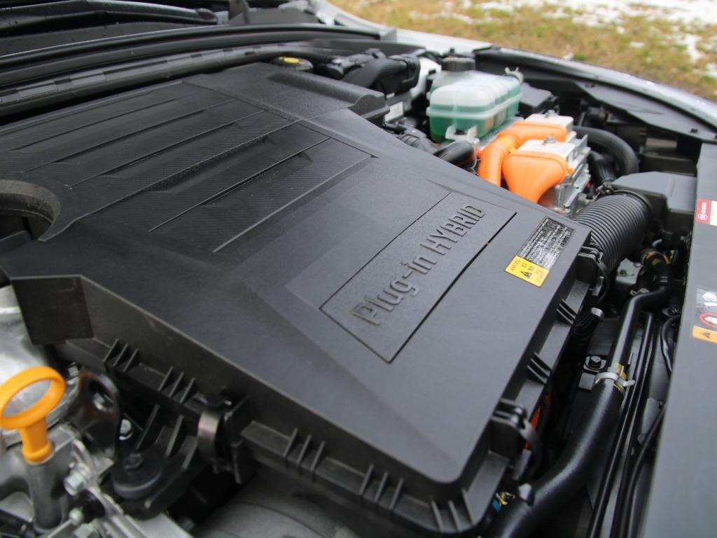 Plug-in Hybrid (141 PS) mit Doppelkupplungsgetriebe